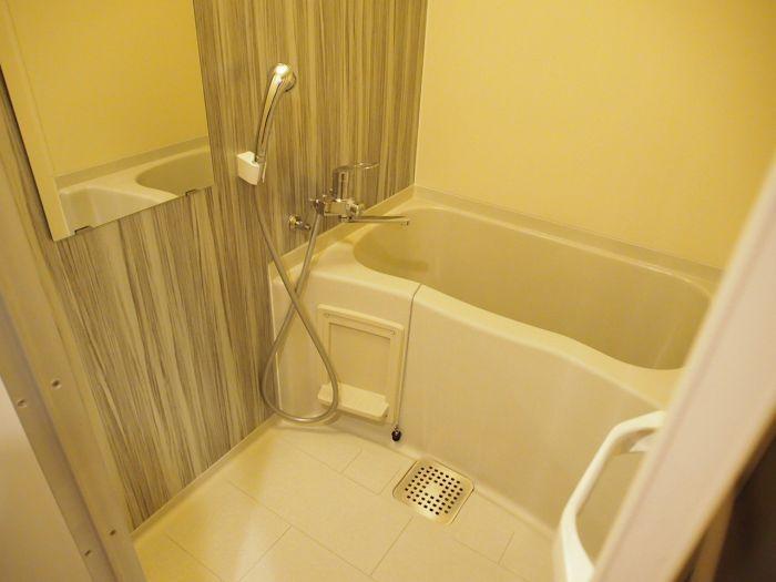 浴室アクセントシートでワンポイント